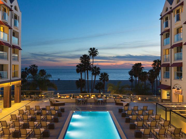 los angeles best beachfront hotel - loew's santa monica pool view
