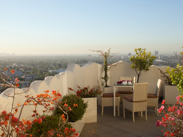 los angeles most cinematic hotel - tower bar - sunset tower hotel